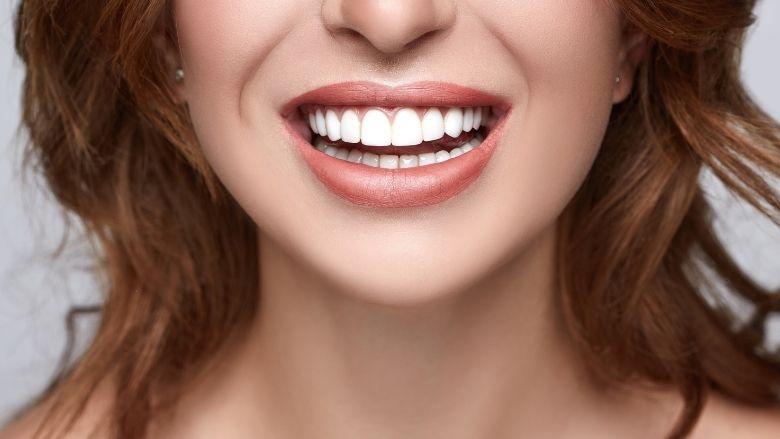 Tanden bijwerken met een nagelvijl?